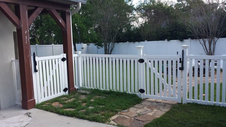 top fencing company in Orlando FL