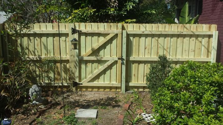 best winre park fence installation team