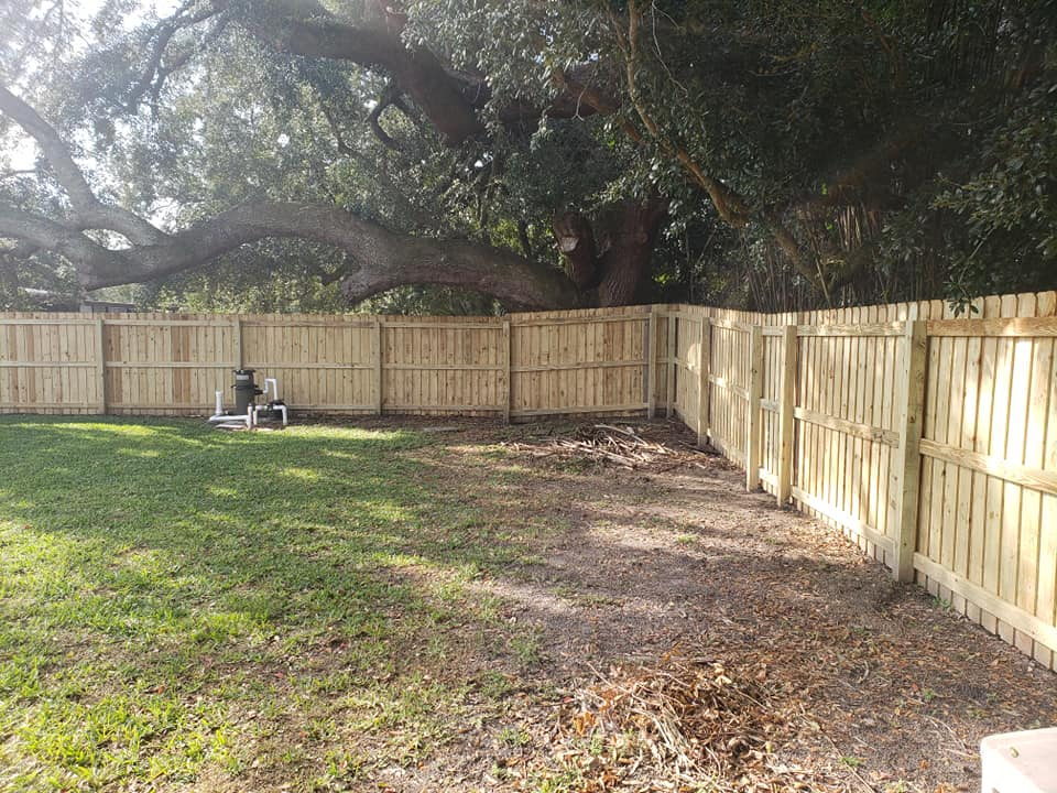 Professional fencing services in Lake Hart