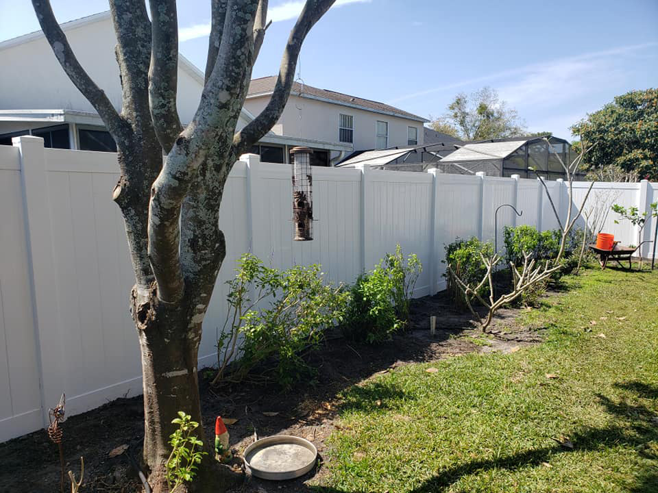vinyl fence installation in the orlando area